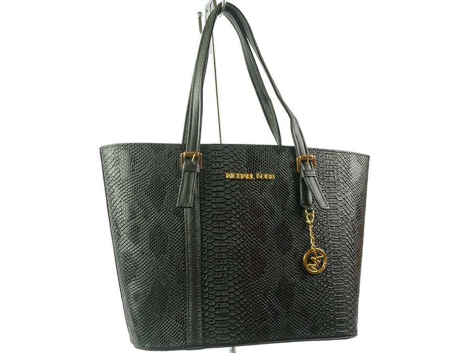 Дамска чанта черна змия 6289