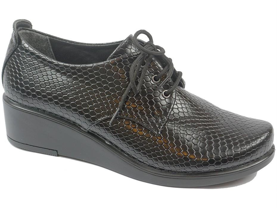 Дамски обувки черни 8125