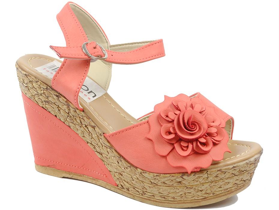 Дамски сандали червени 9755