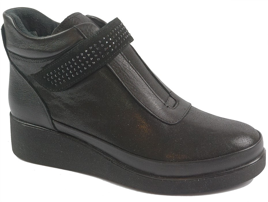 Дамски боти черни 9947