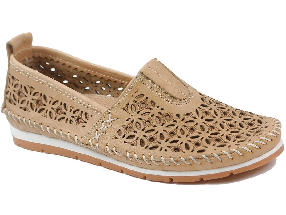 Дамски обувки бежови 10239