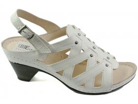 Дамски сандали бели 7052