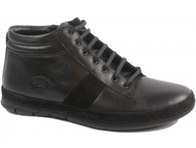 обувки-Мъжки боти черни 9306