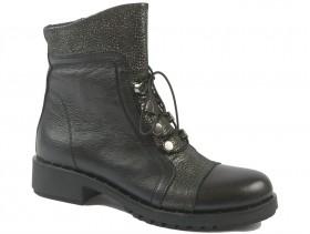 обувки-Дамски боти черни 9847